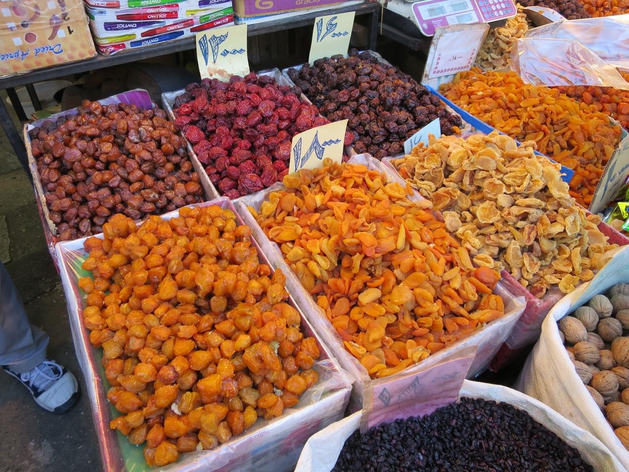 Comendo 1-02b-frutas secas