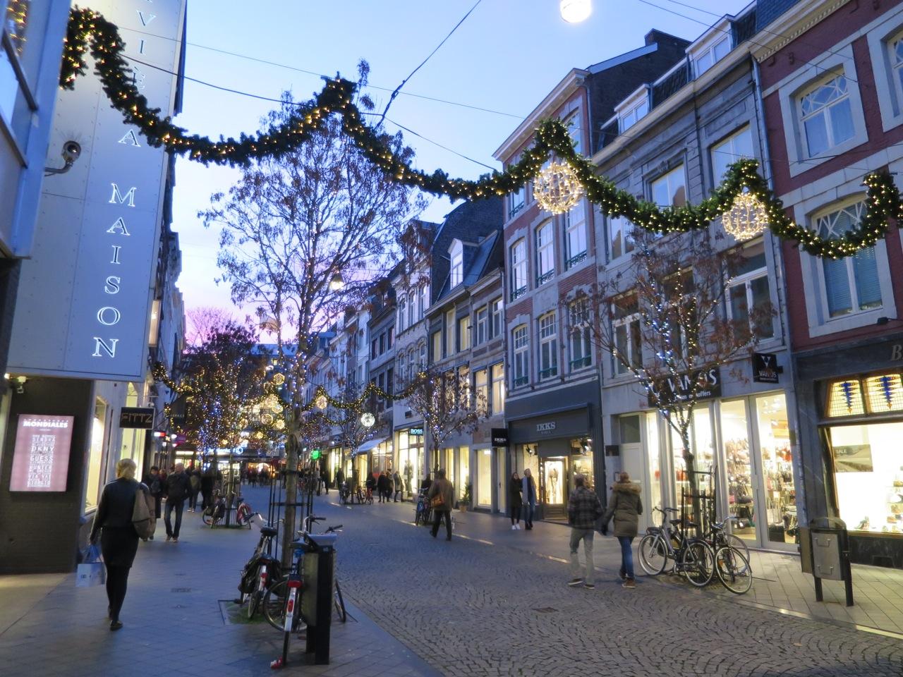 Maastricht 1-04