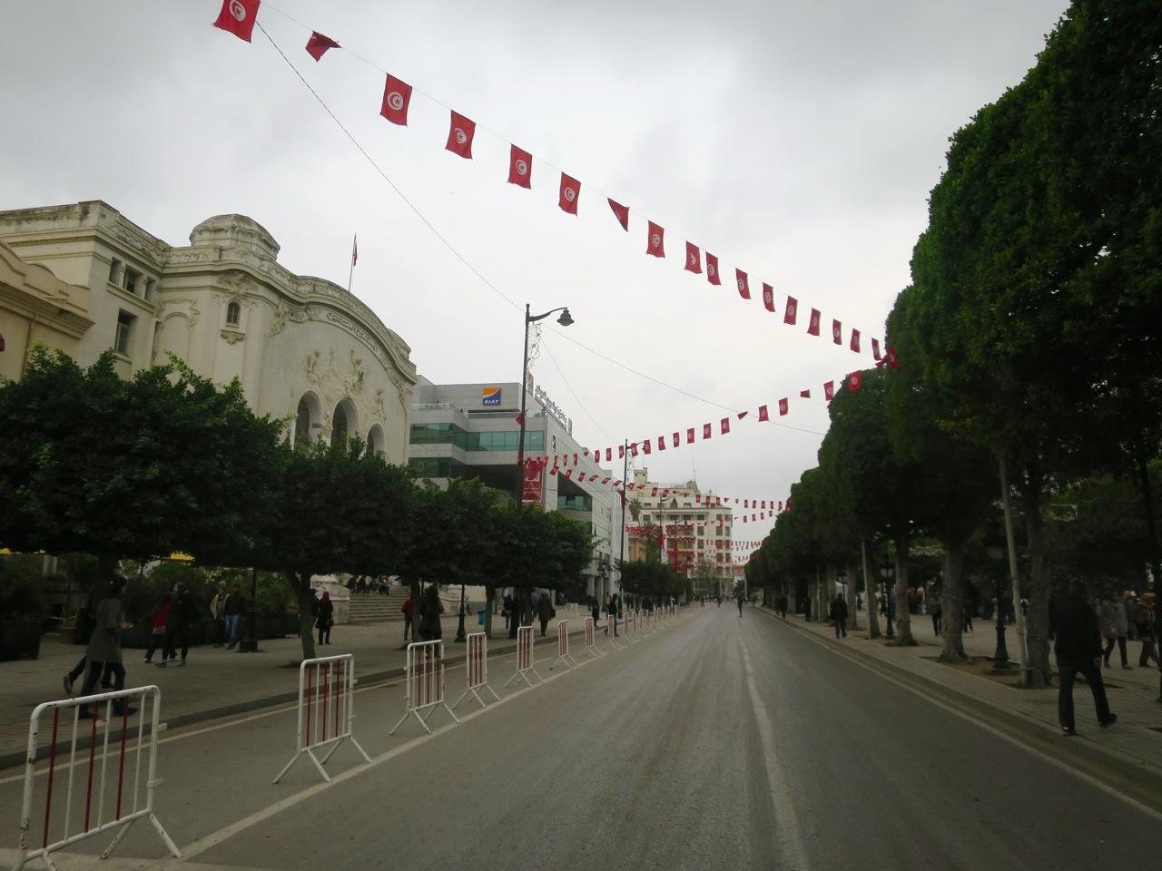 Tunis 1-05