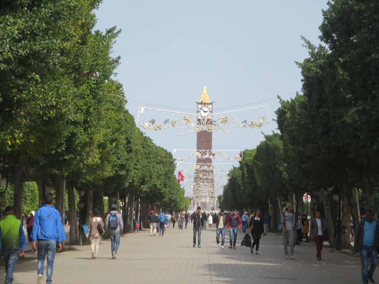 Tunis 2-04
