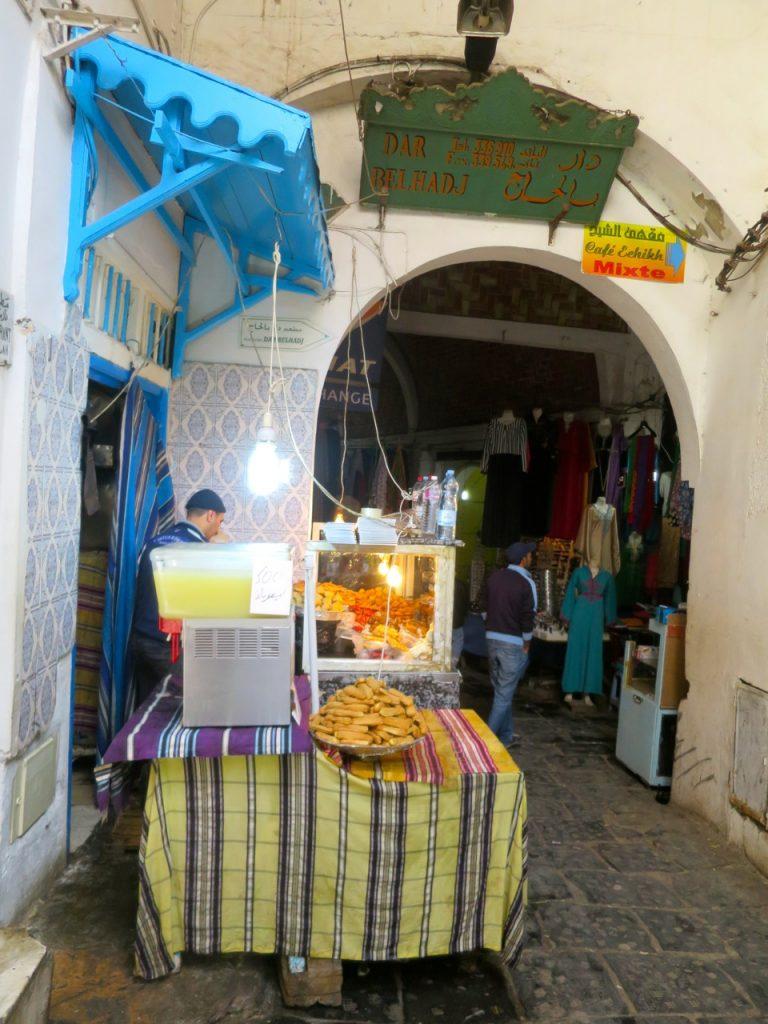 Tunis 2-18b