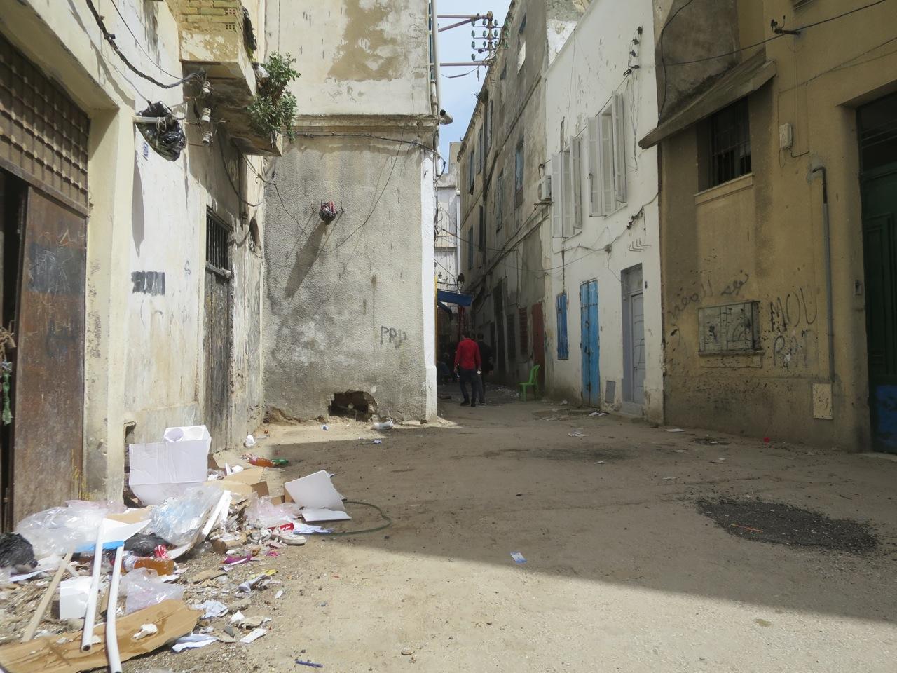 Tunis 2-19