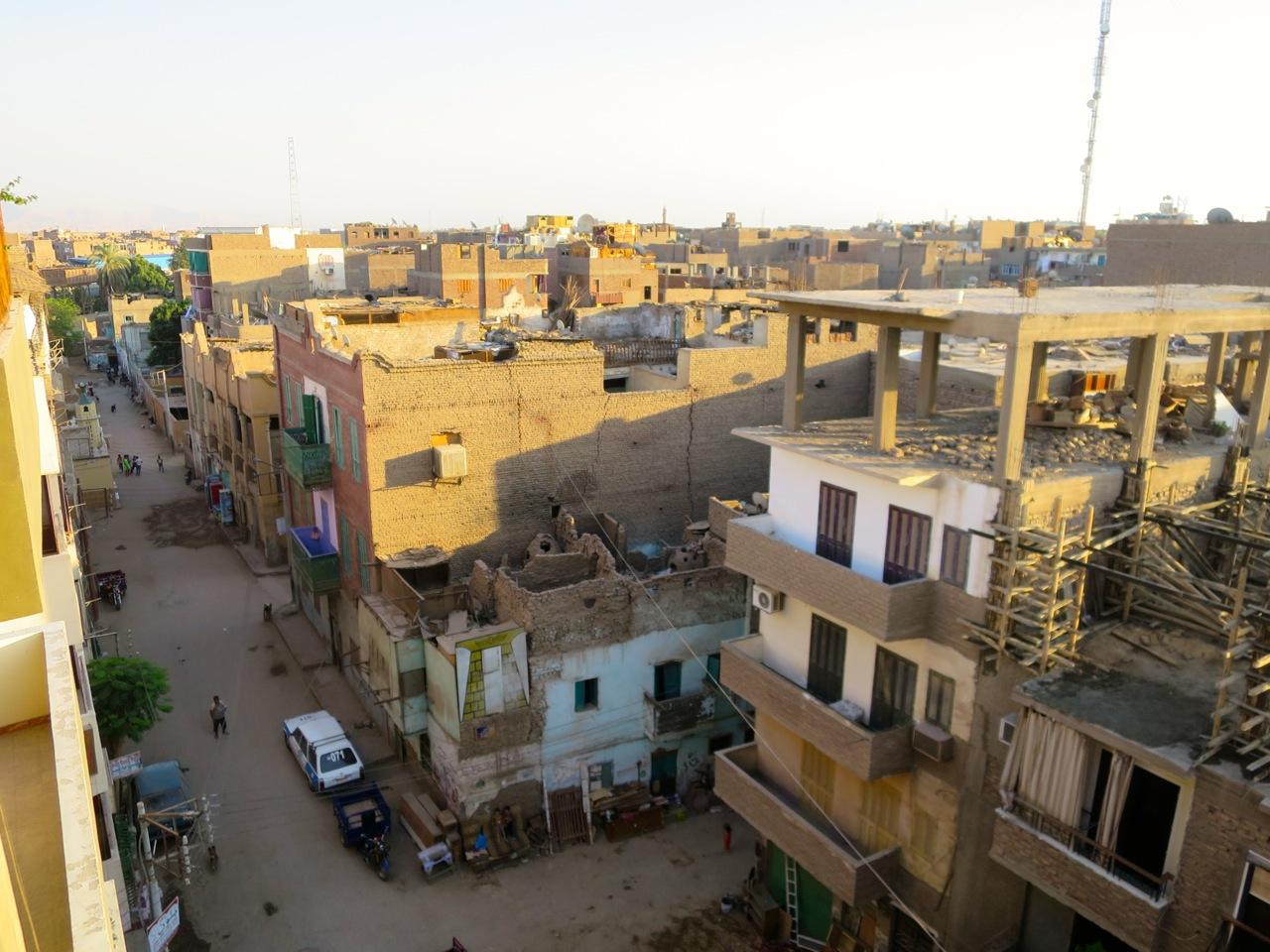 Luxor 1-02