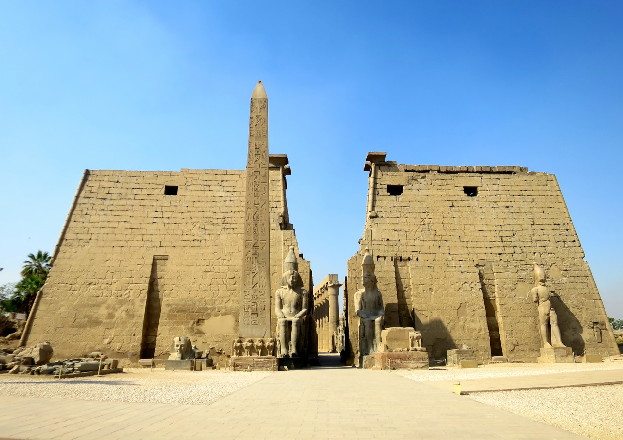 Luxor 2 01b