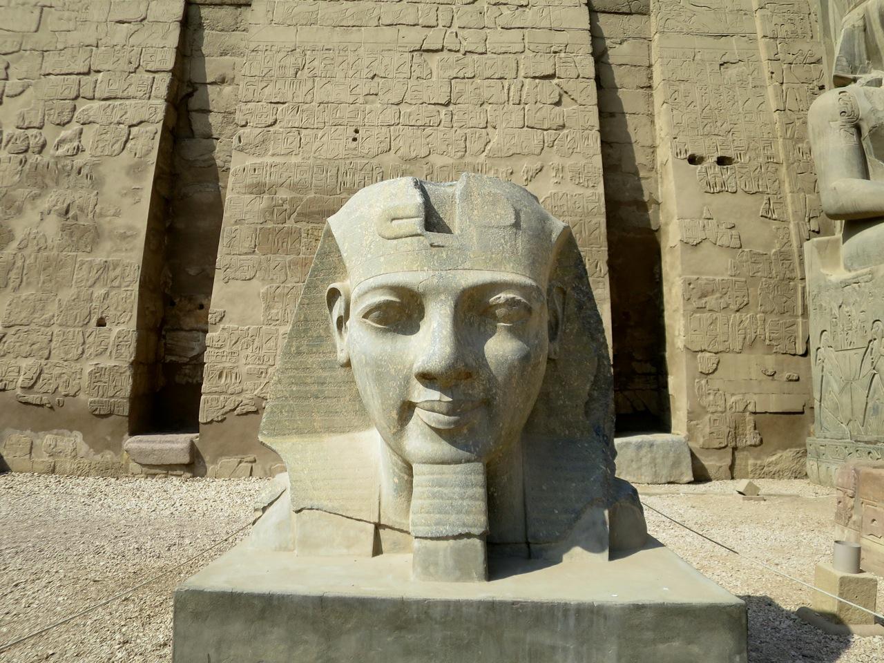 Luxor 2-17