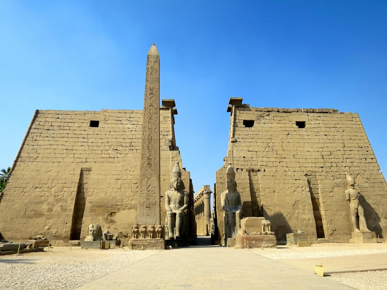 Luxor 2-18
