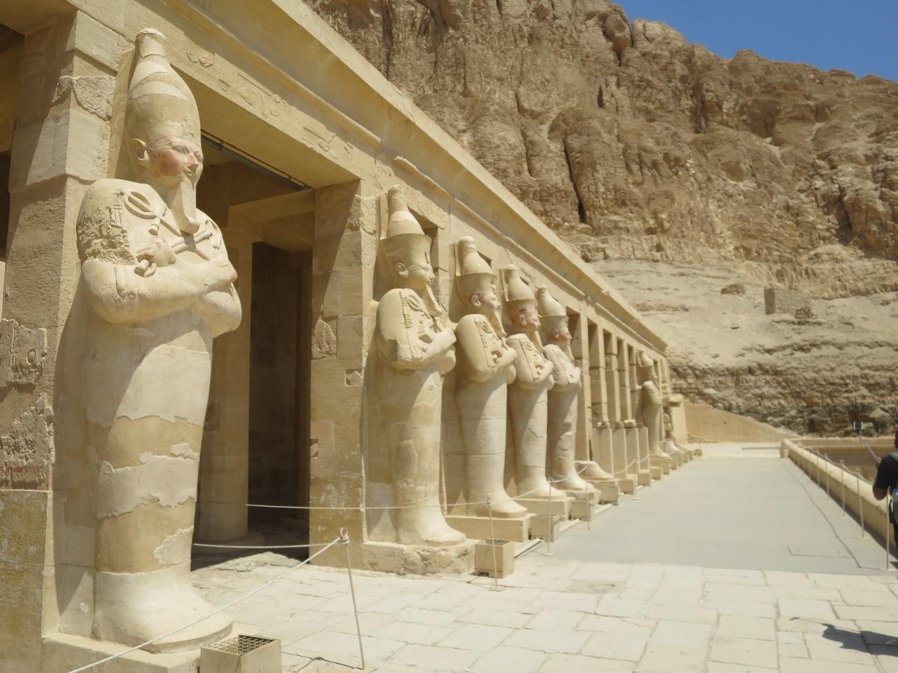 Luxor 3 01