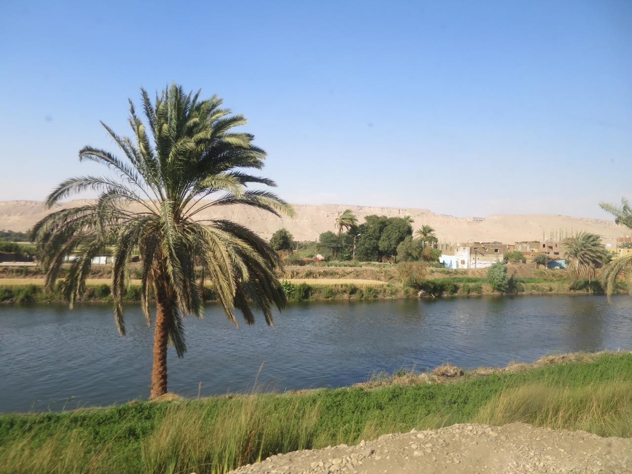 Trem no Egito 1-03
