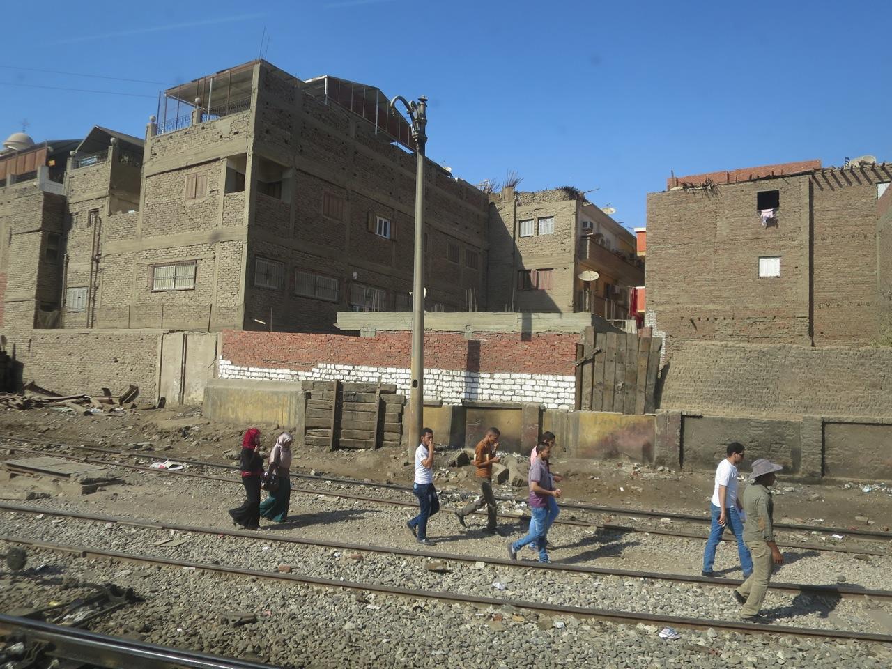 Trem no Egito 1-10