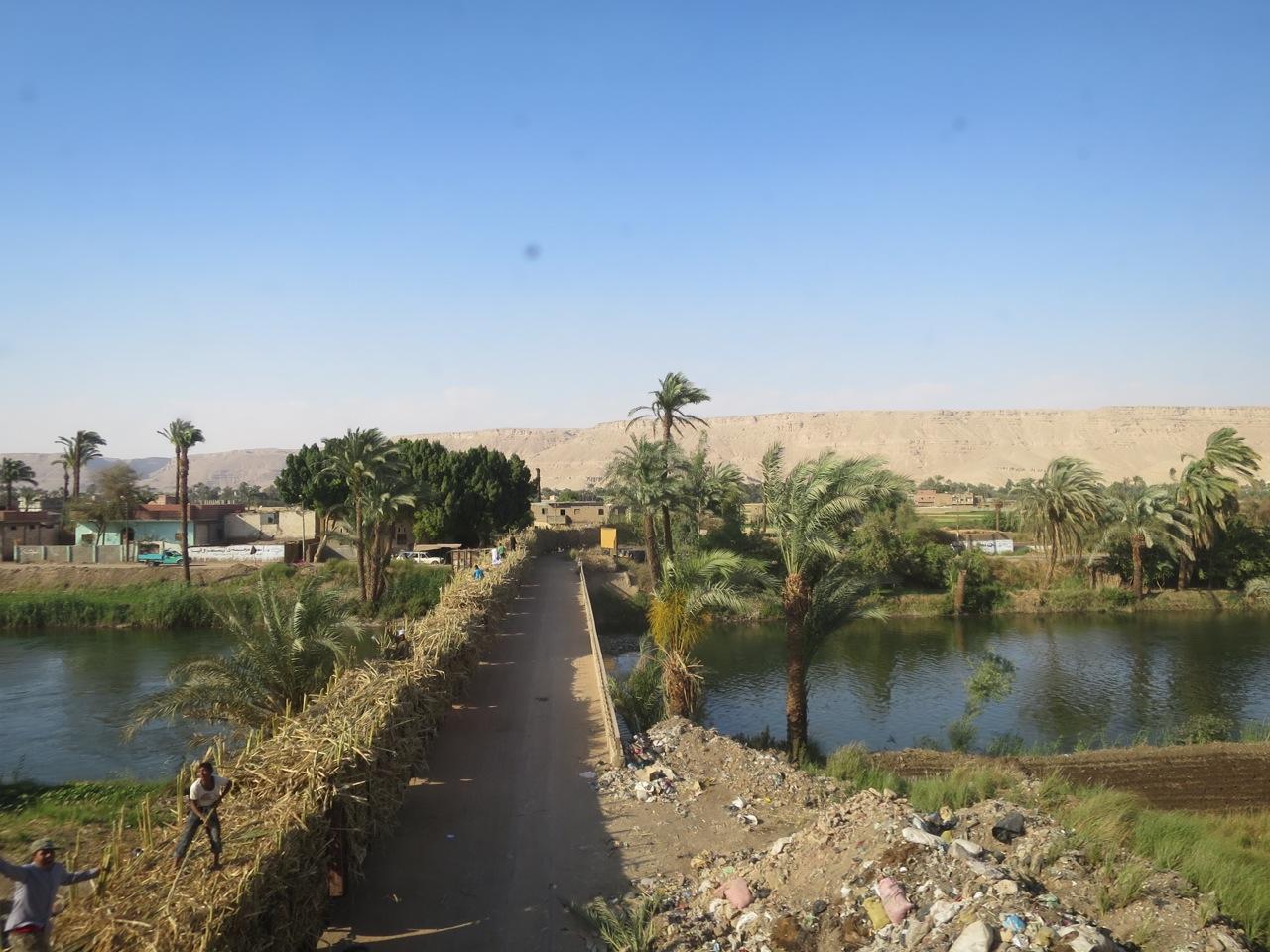Trem no Egito 1-18