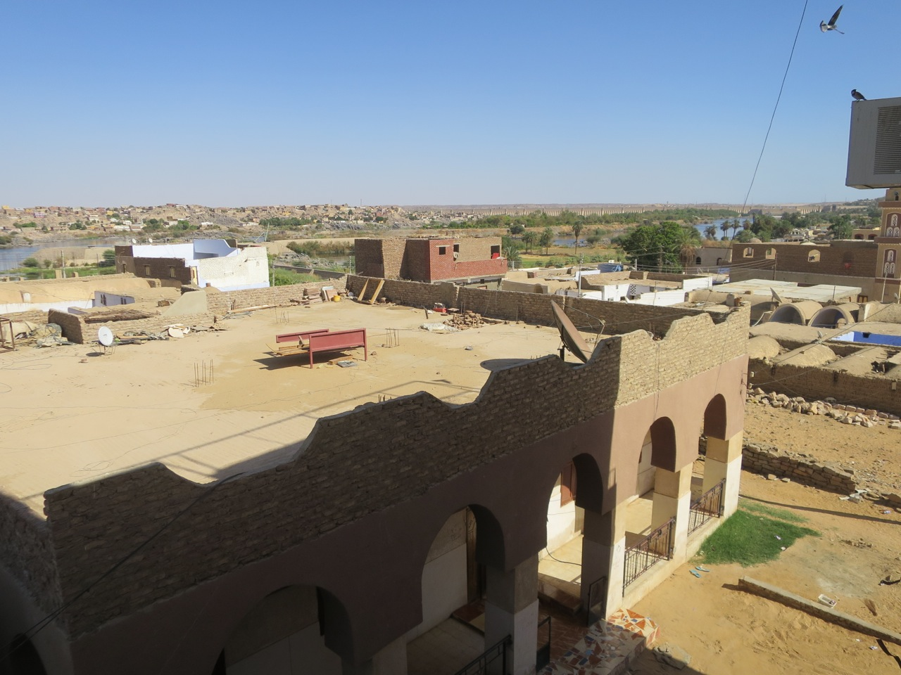 Aswan 1-05