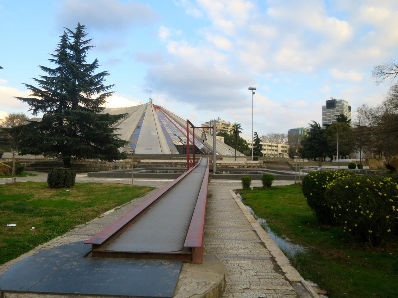 Tirana 2-22