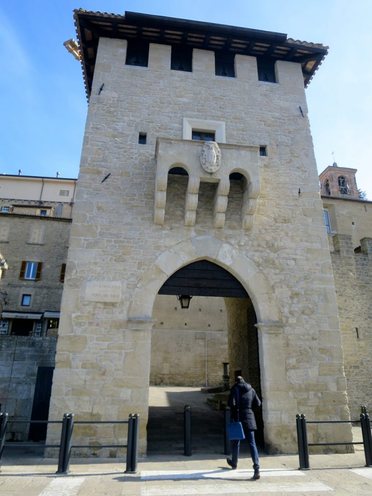 San Marino 1-06b