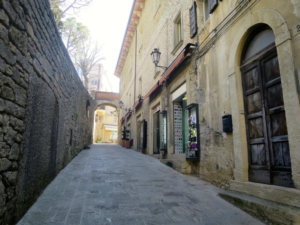 San Marino 1-24