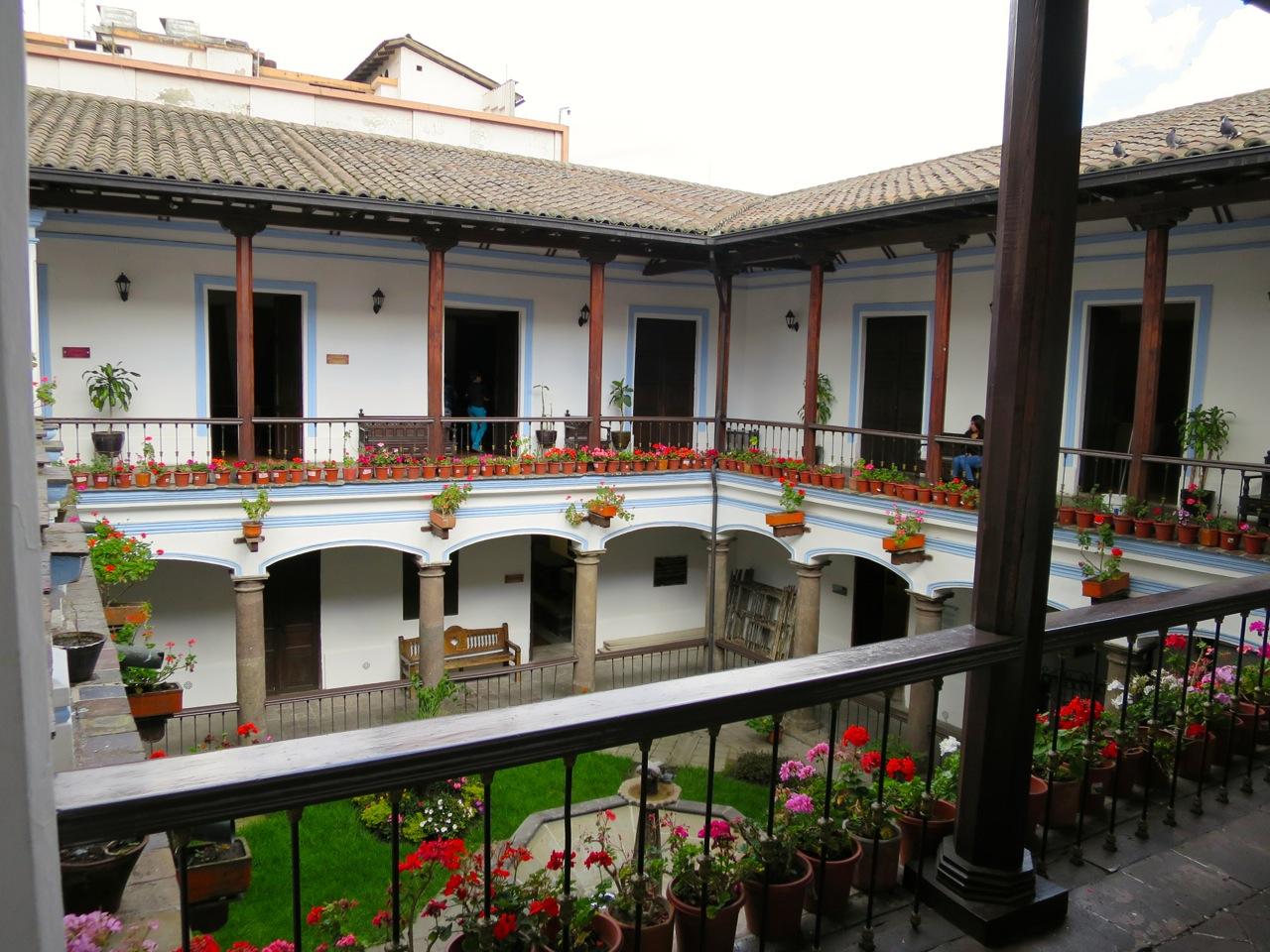 Quito 1 12