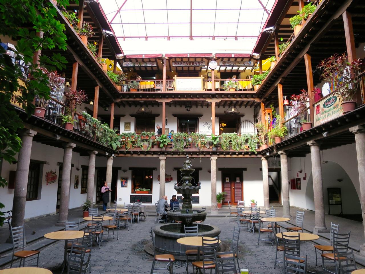 Quito 1 15