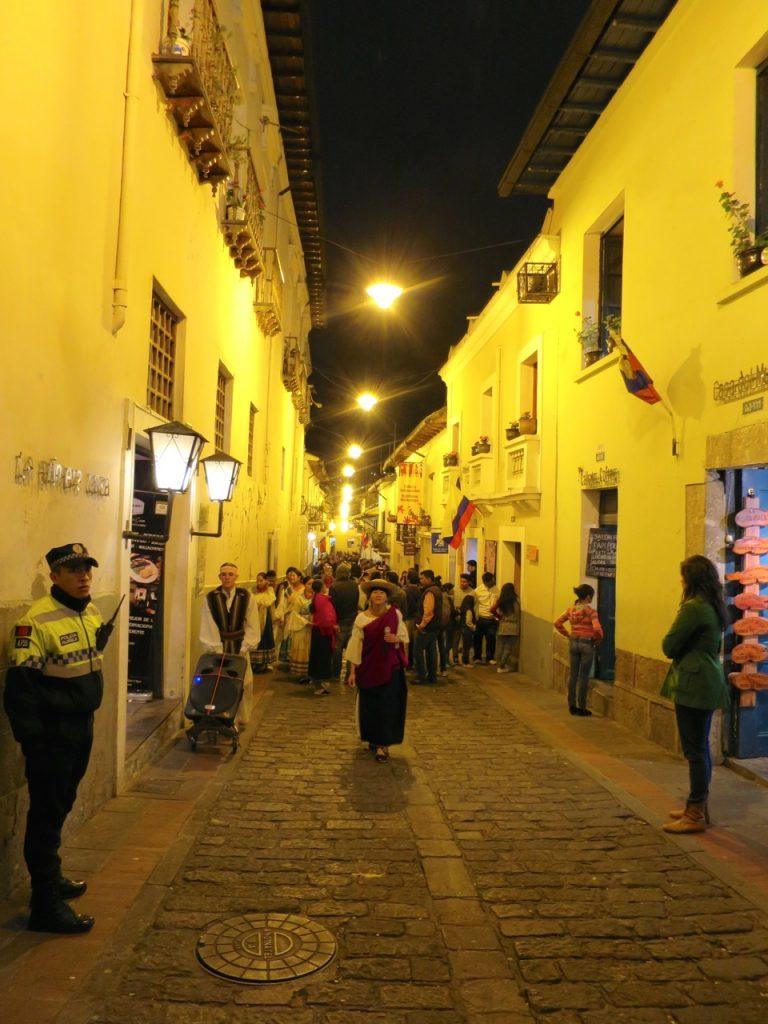 Quito 1 23