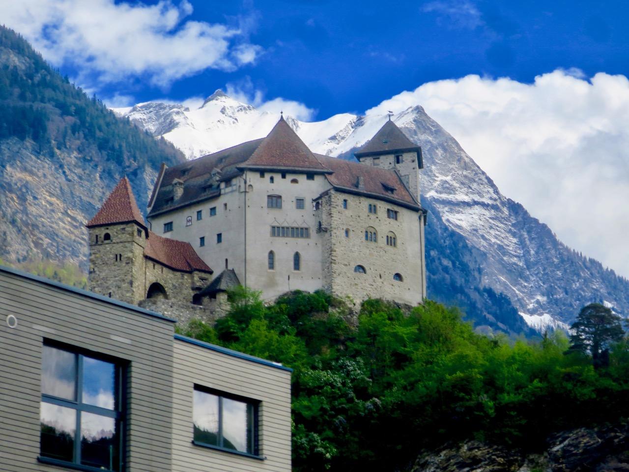 Liechtenstein 1 01