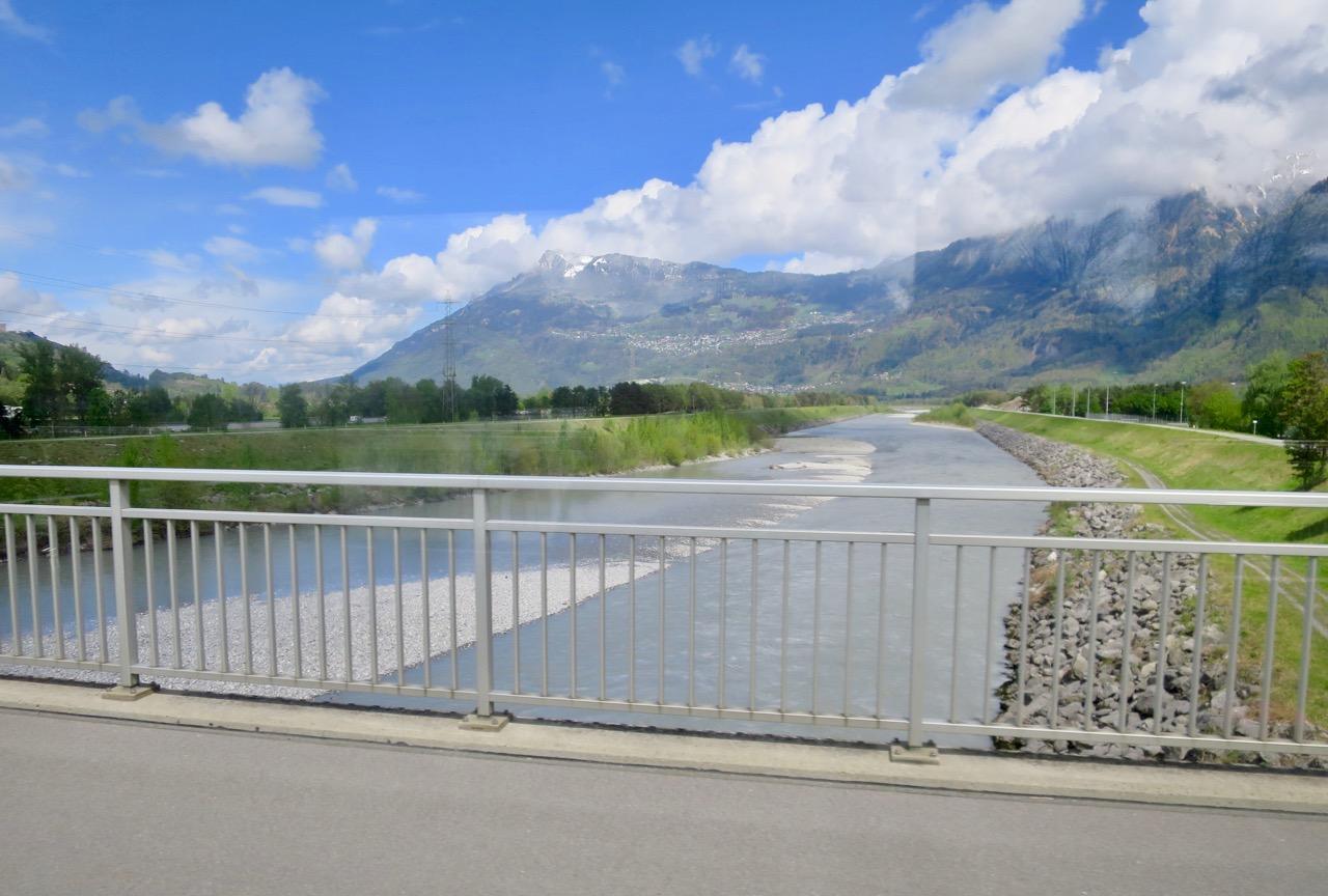 Liechtenstein 1 02
