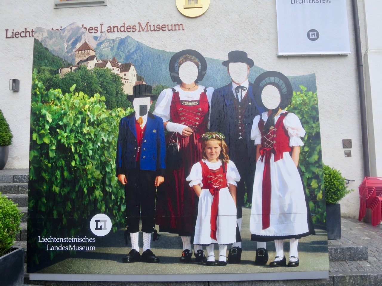 Liechtenstein 1 19