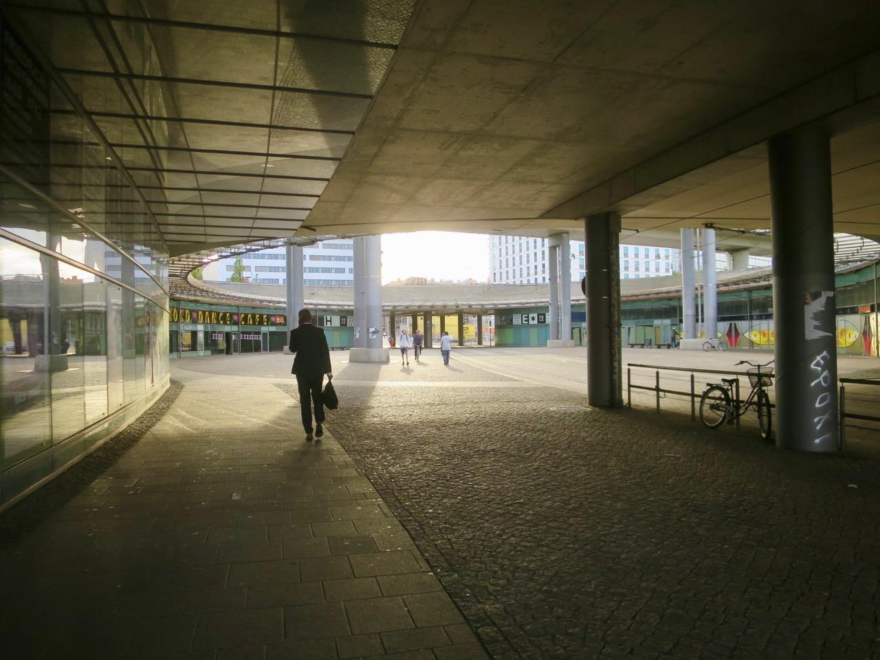 Halle 1 03