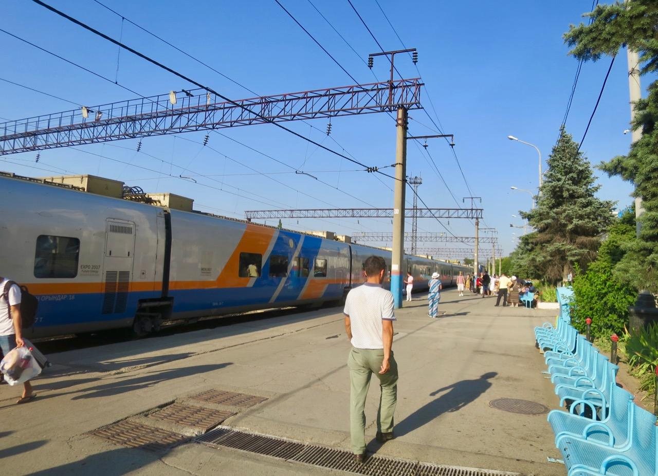 Trens cazaques 1 01