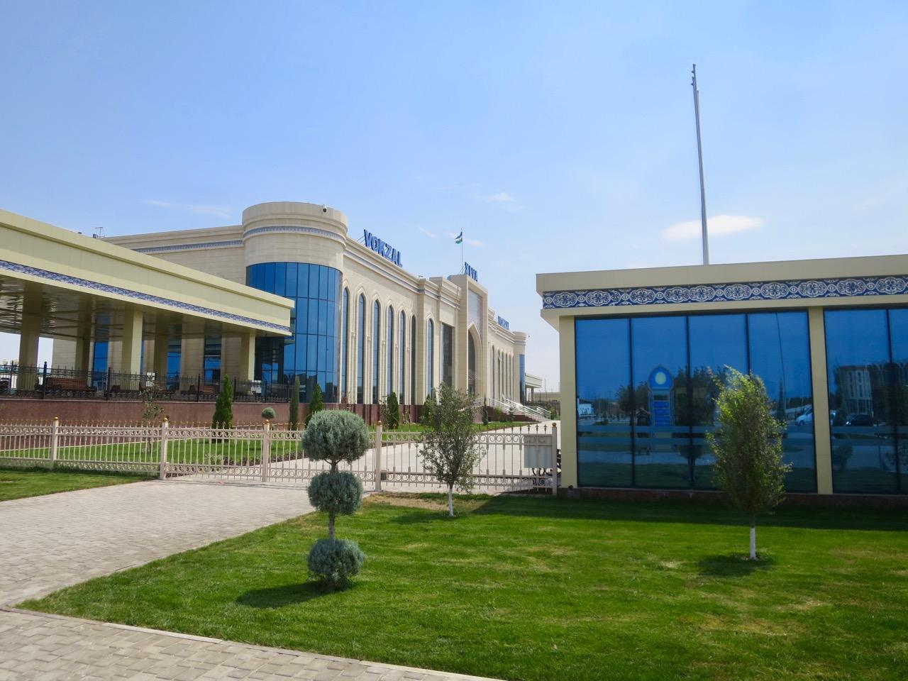 Uzbek trains 1 02