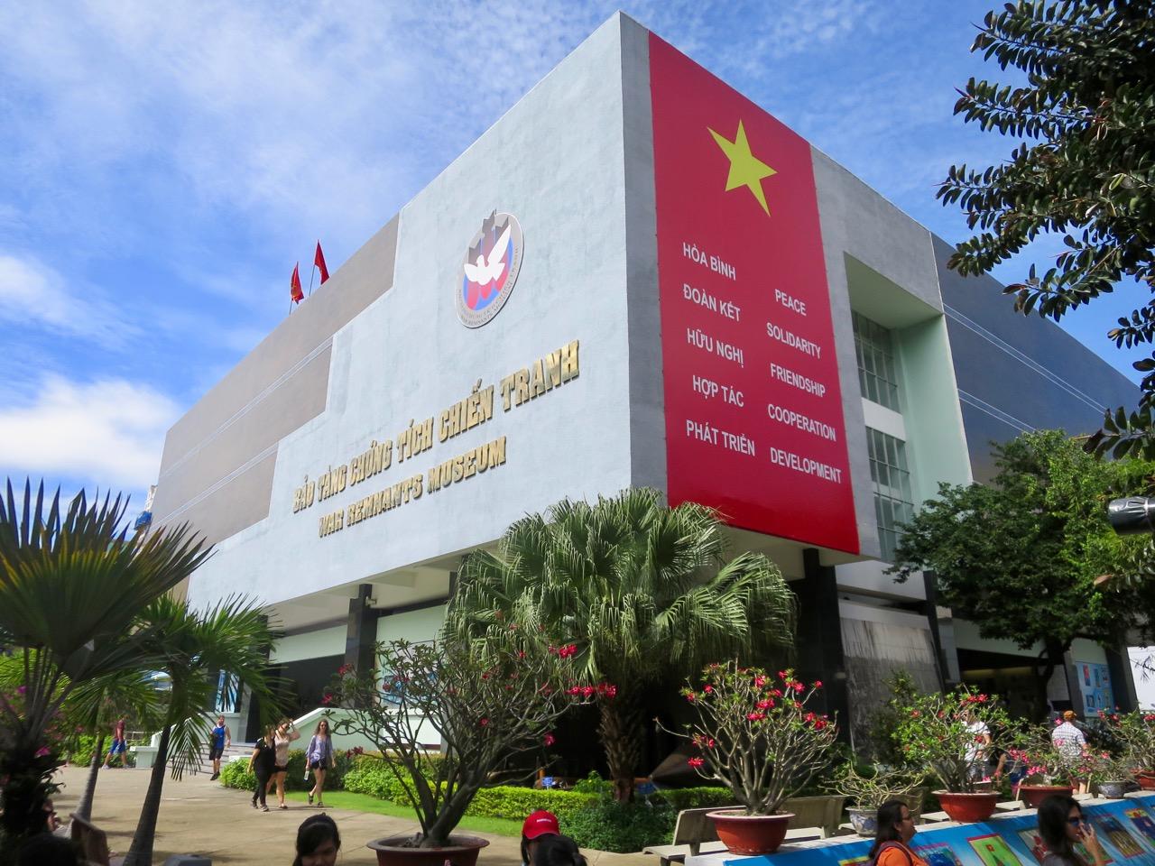 Ho Chi Minh 1 24
