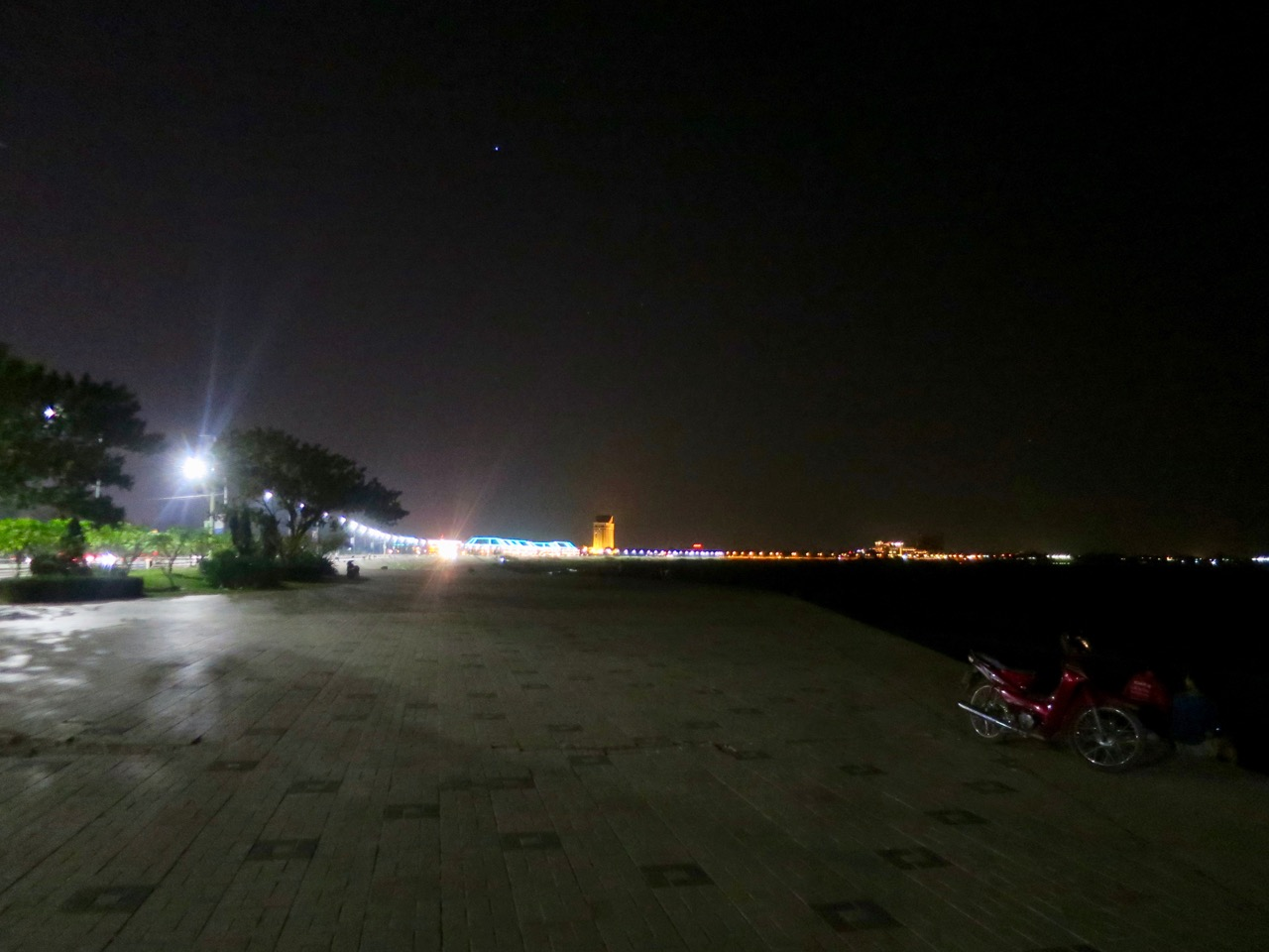 Vientiane 1 06