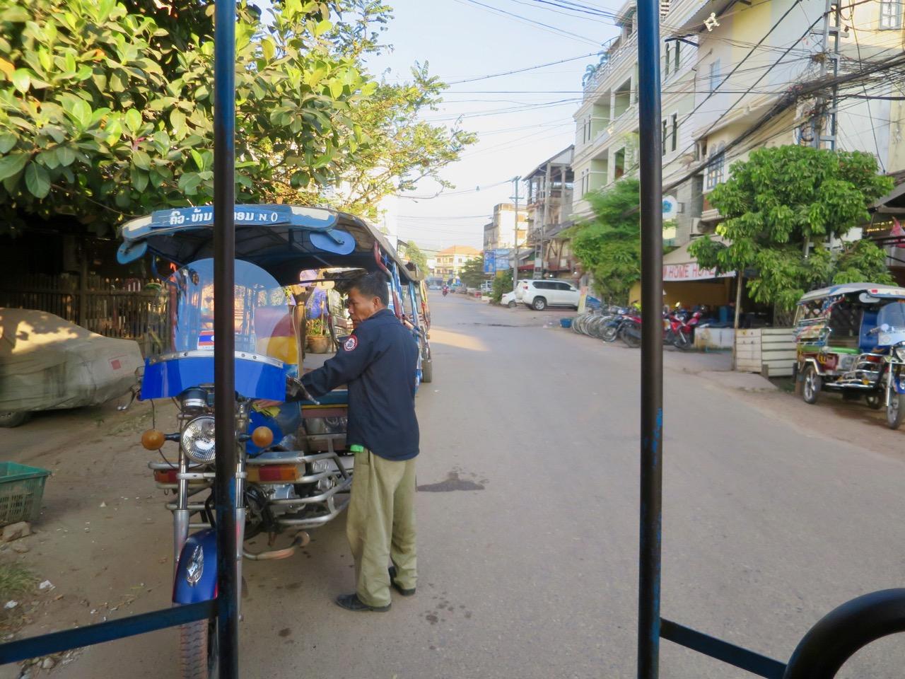 Vientiane 1 09