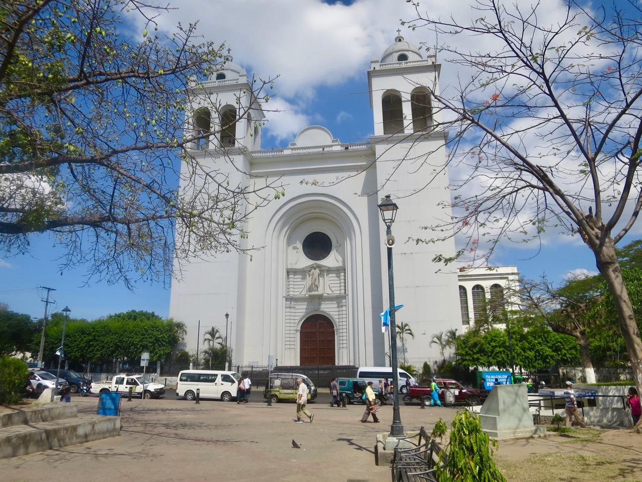 San Salvador 1 09