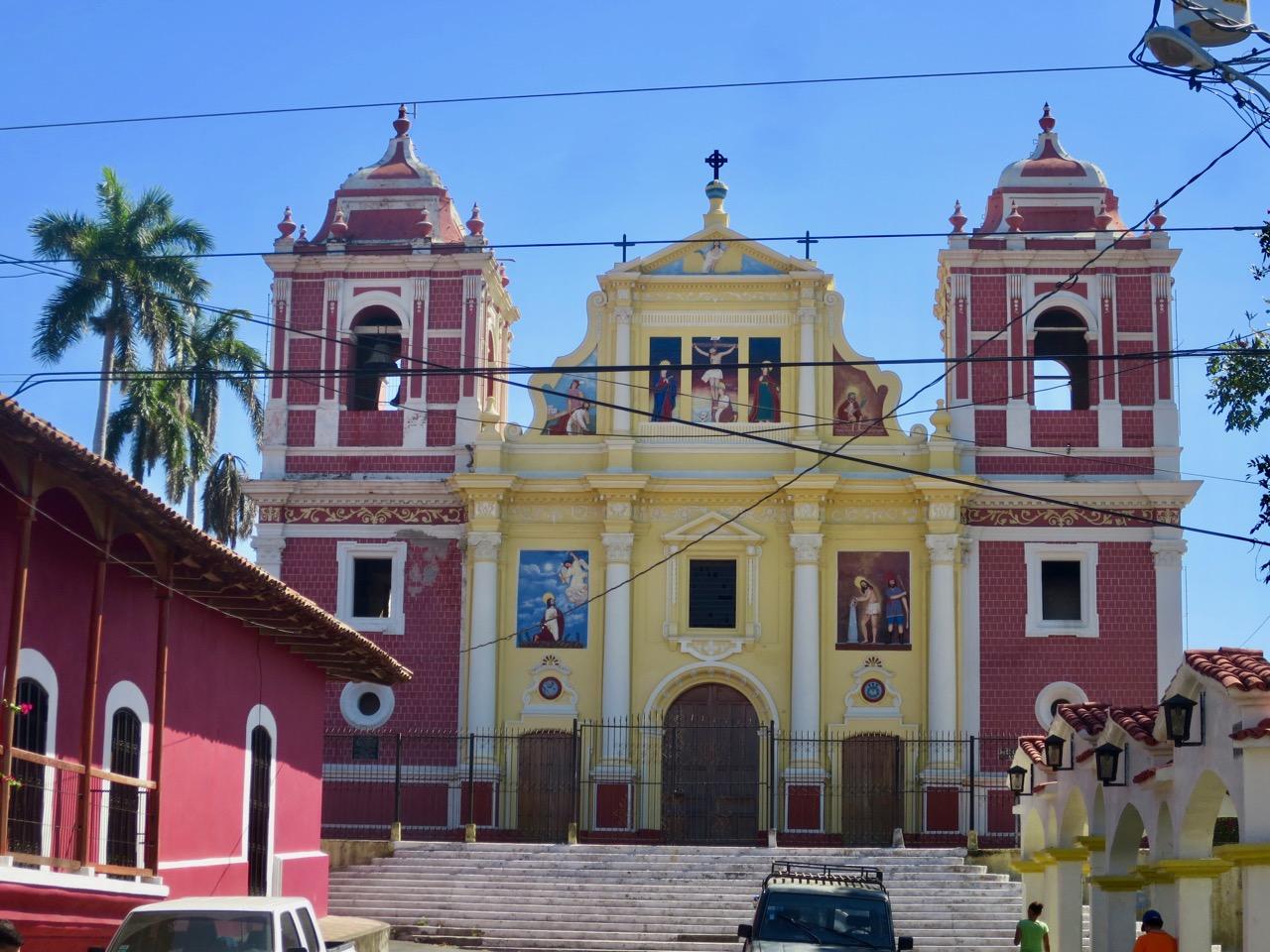 León Nicaragua 1 14