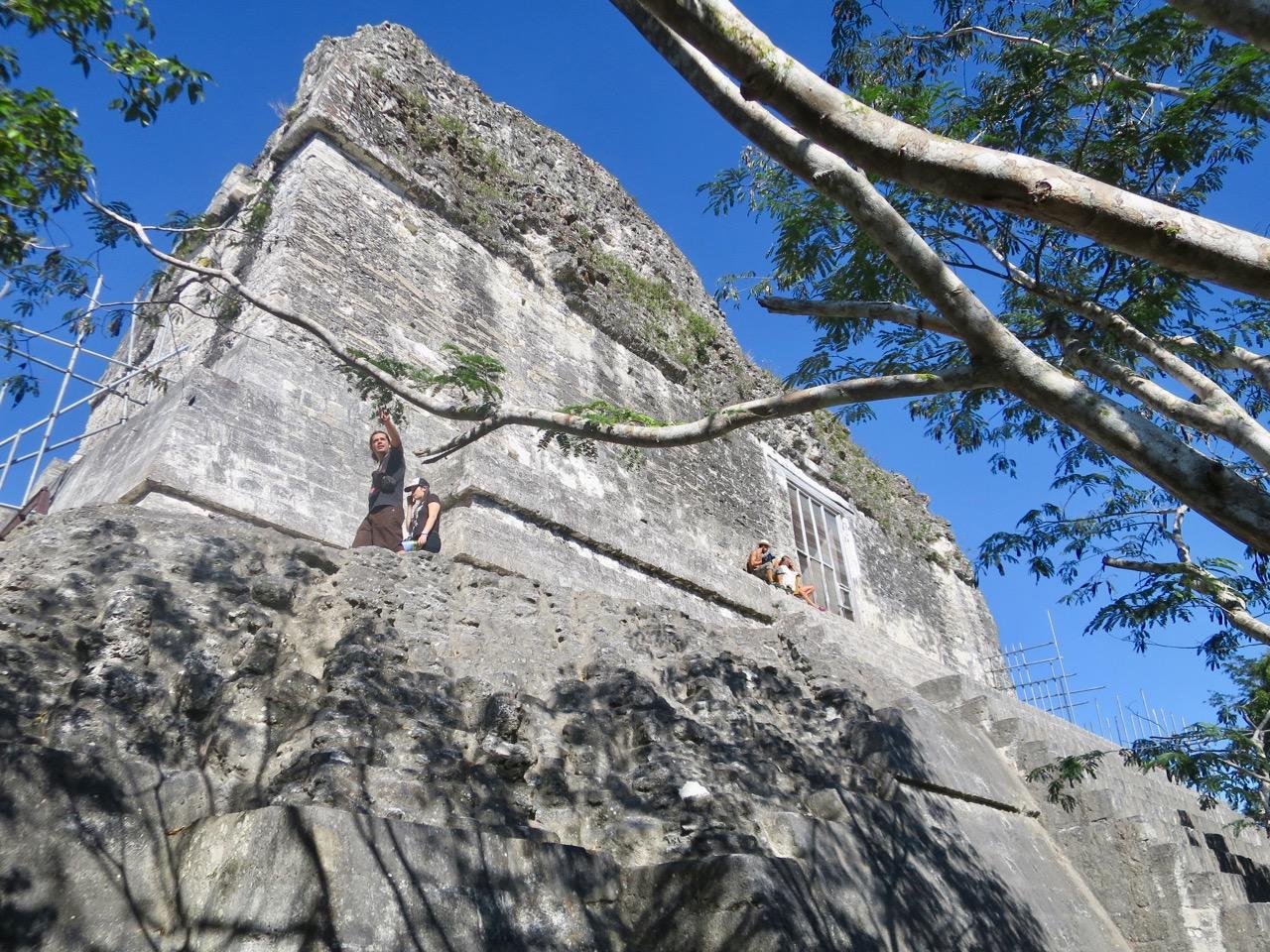 Tikal 1 18