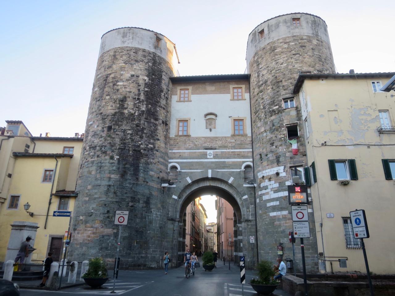 Lucca 1 04