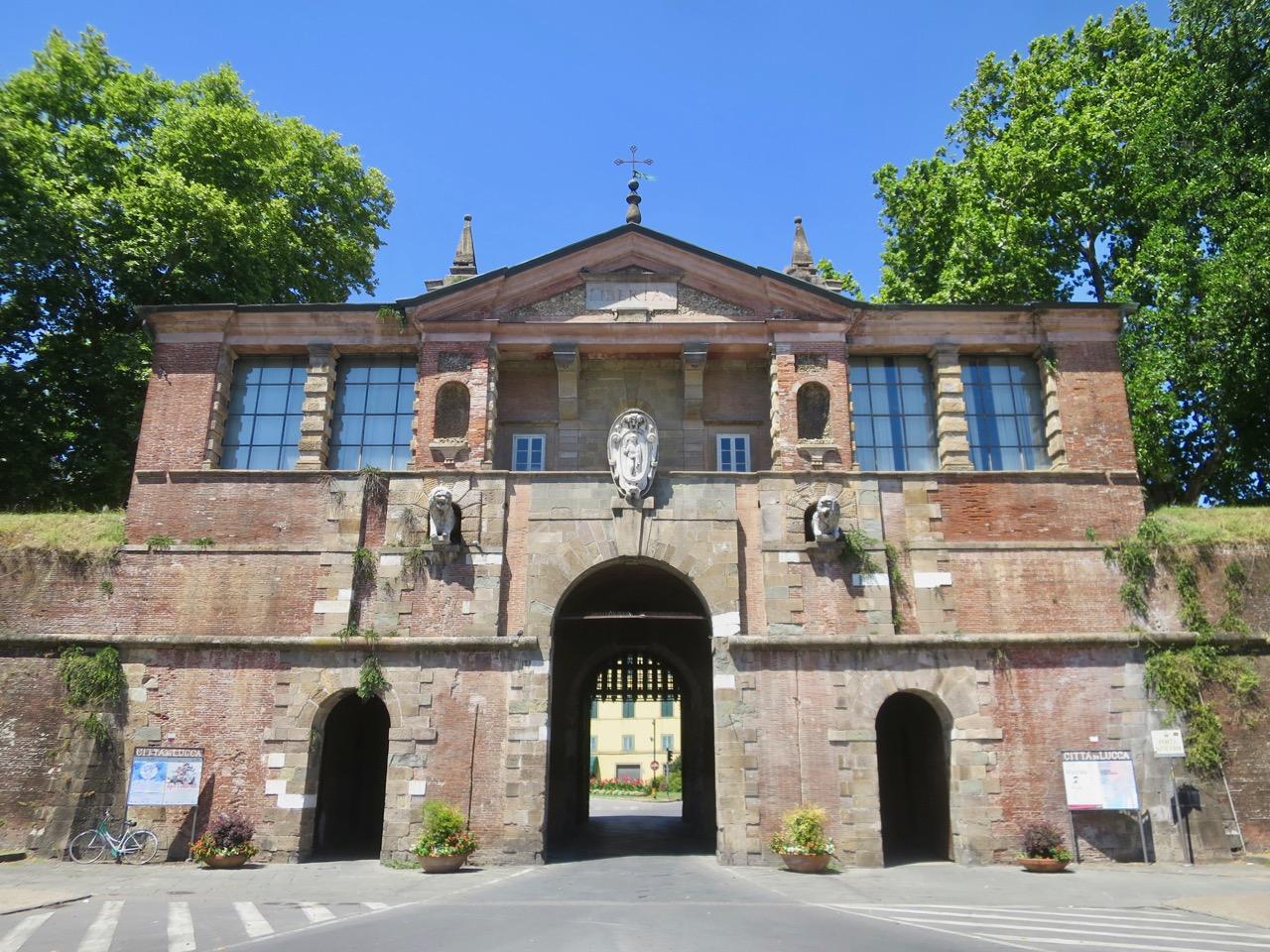 Lucca 1 05