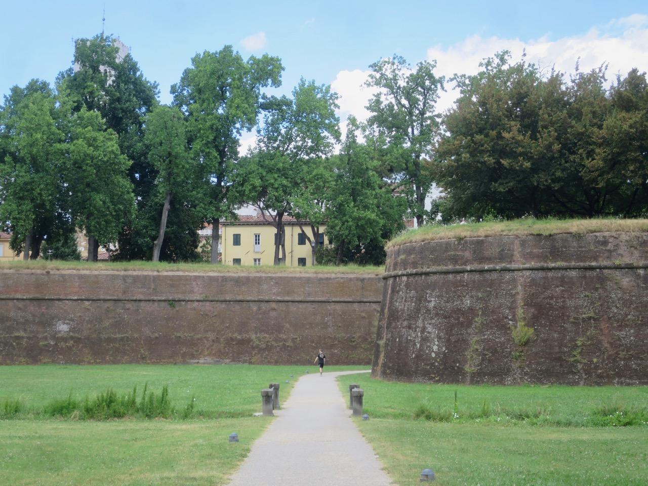 Lucca 1 08