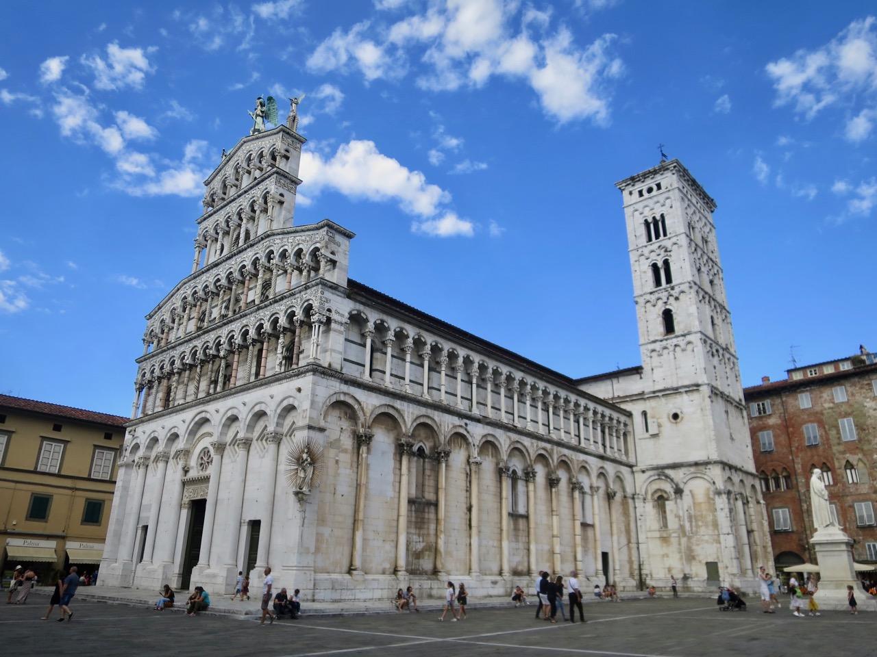 Lucca 1 22