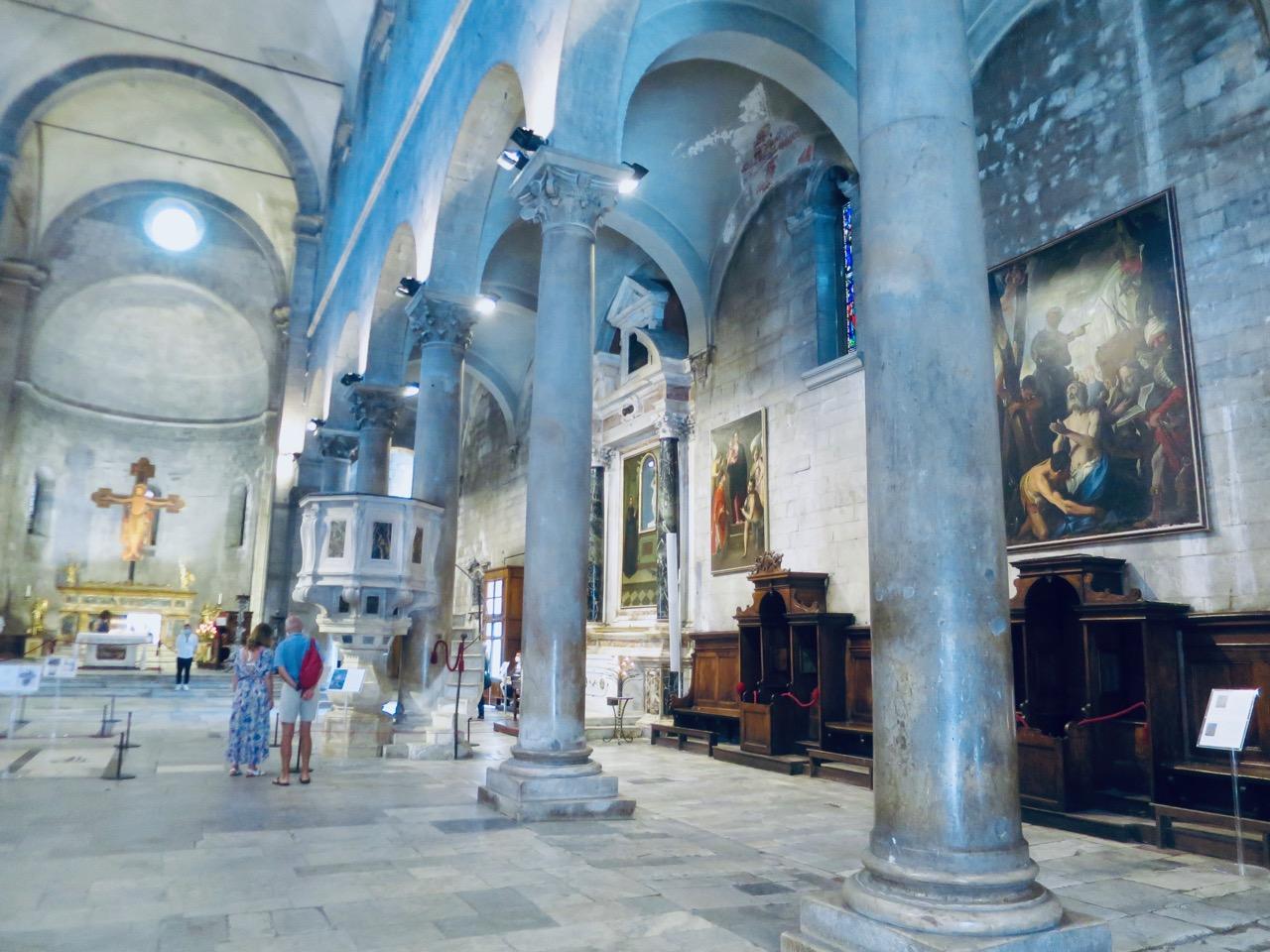 Lucca 1 24