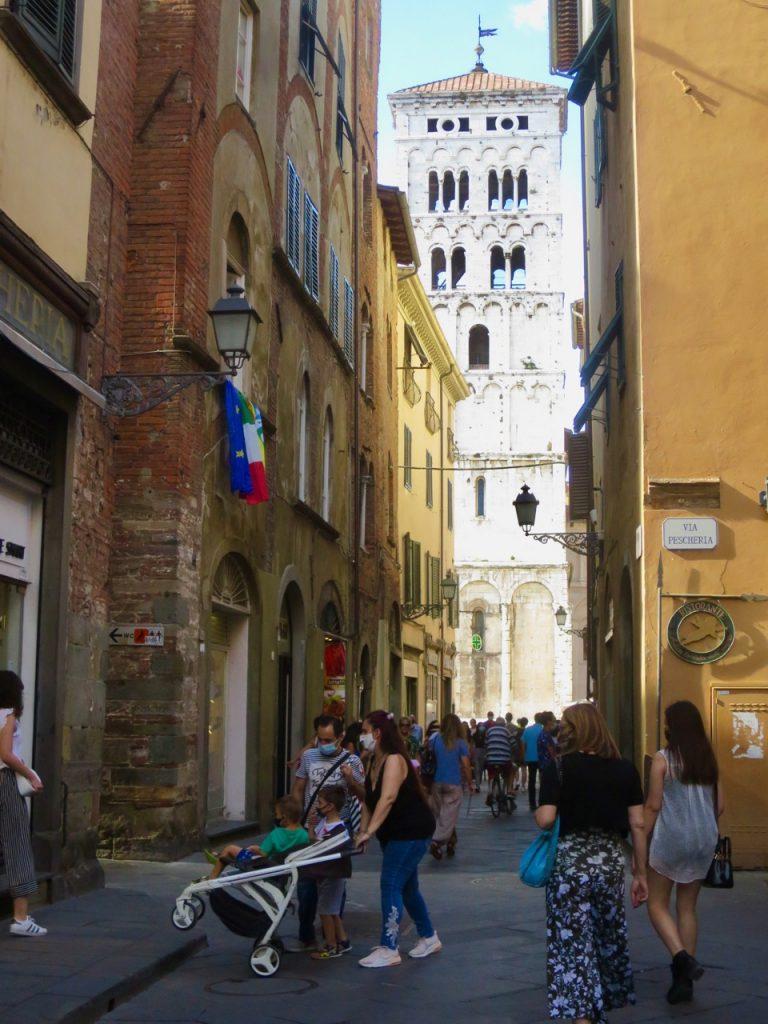 Lucca 1 32