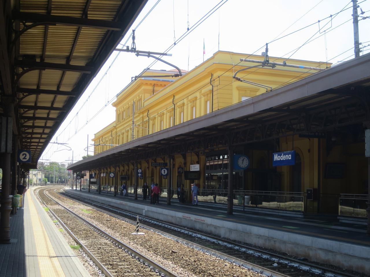 Modena 1 04