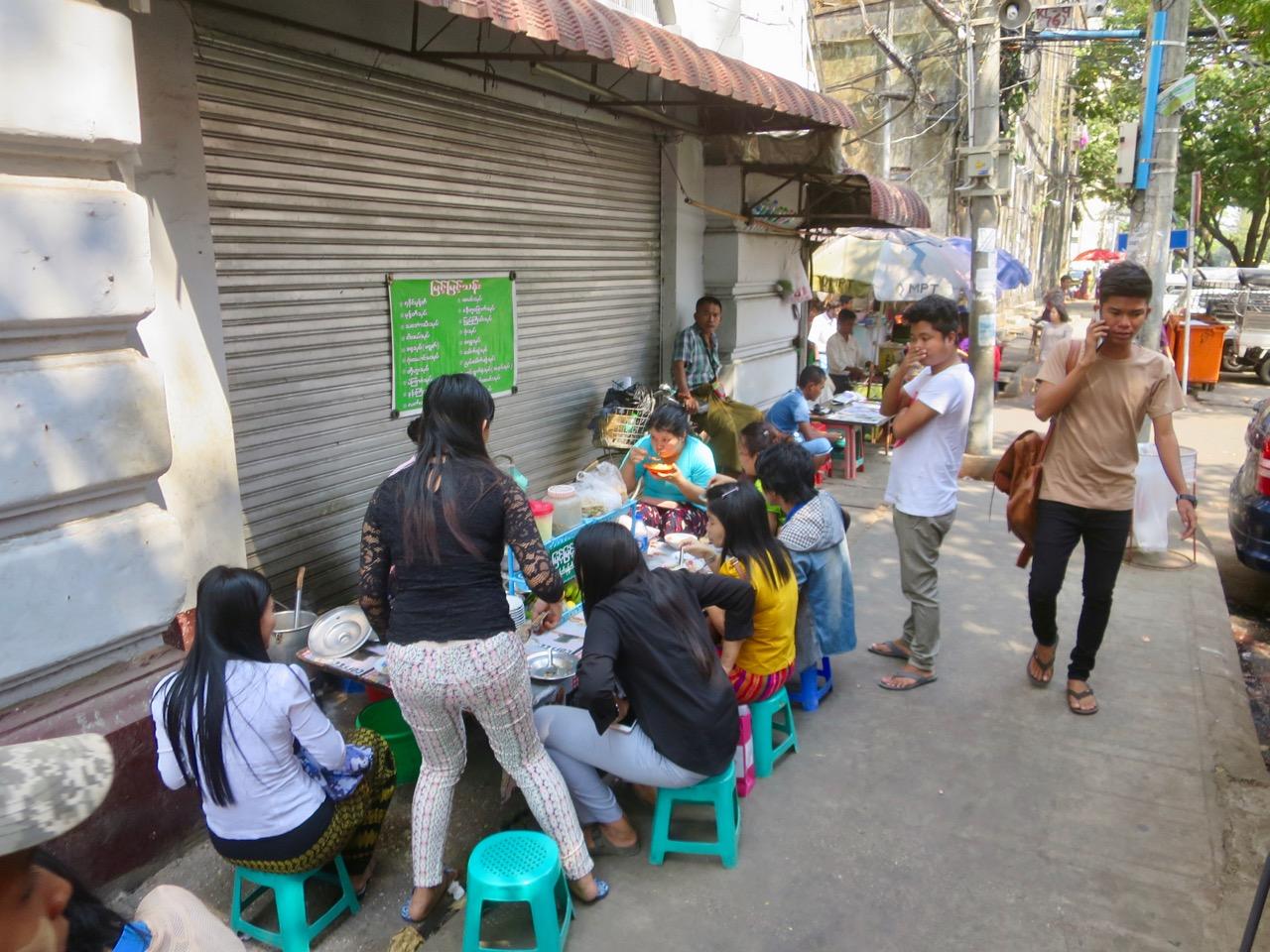 Onibus em Myanmar 1 02