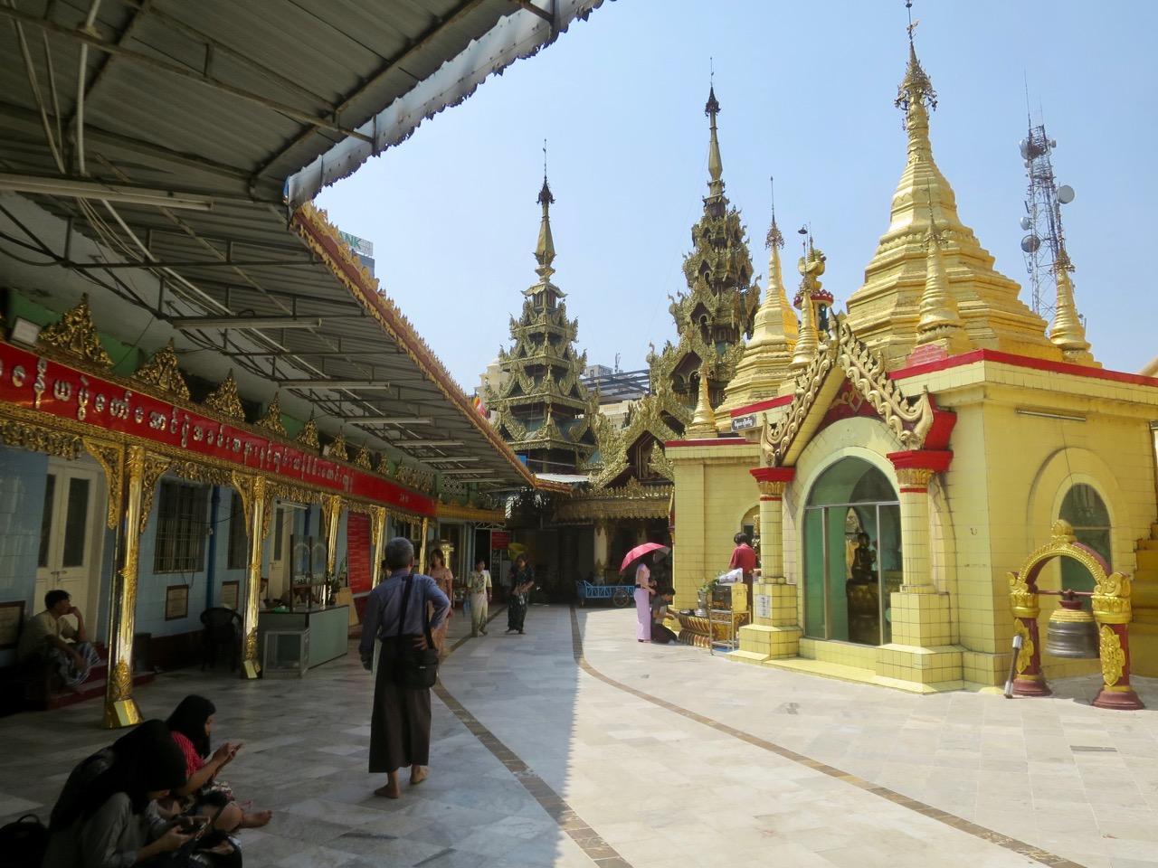 Onibus em Myanmar 1 07