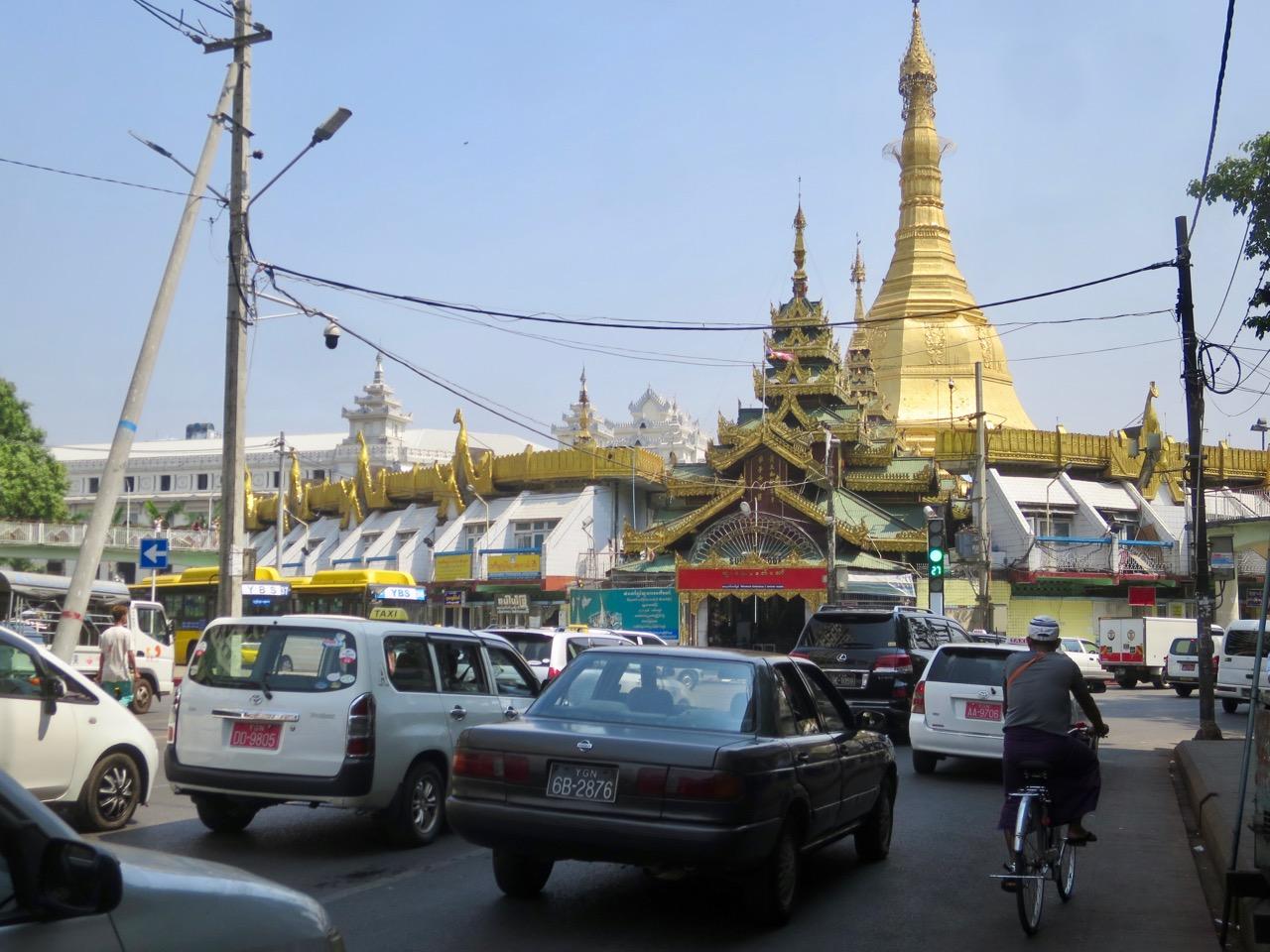 Onibus em Myanmar 1 09