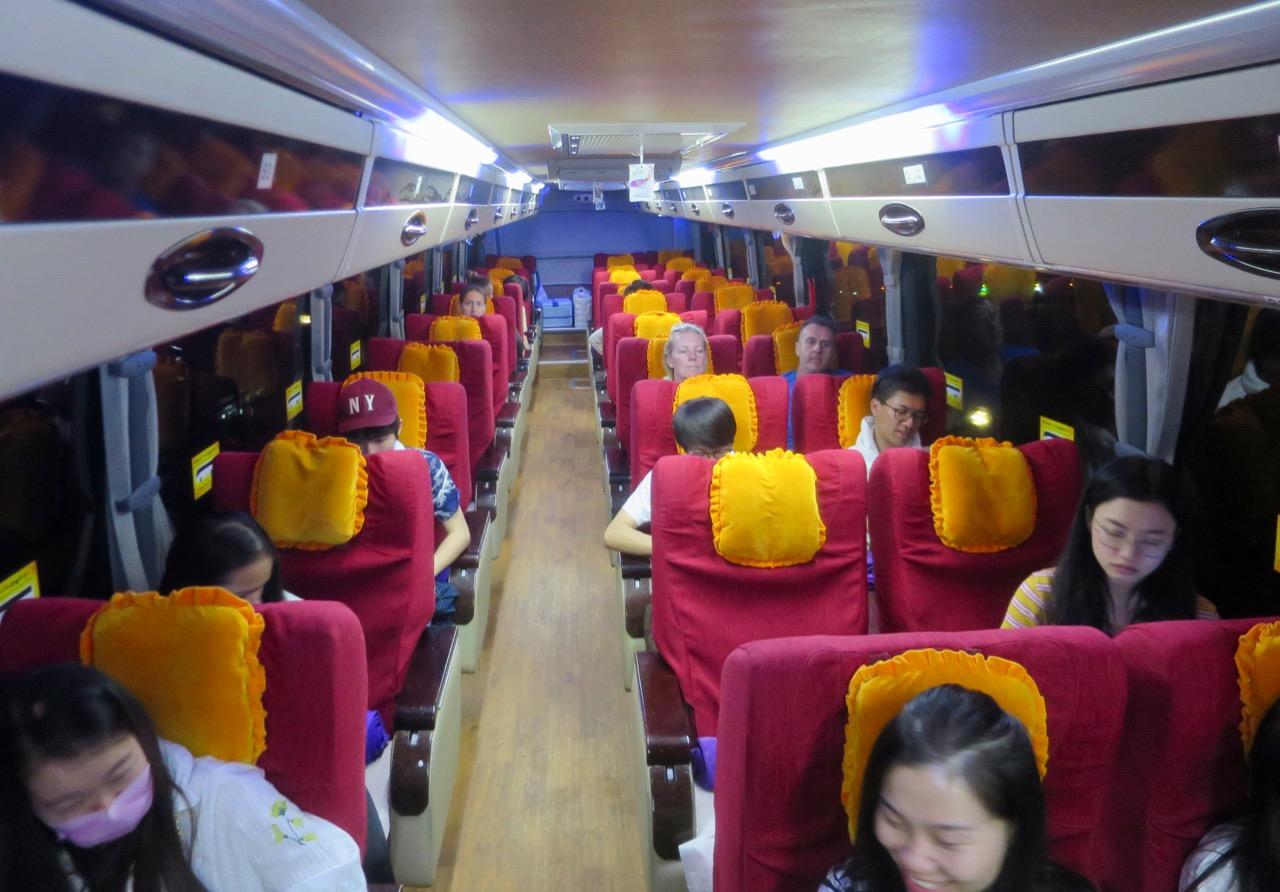 Ônibus em Myanmar