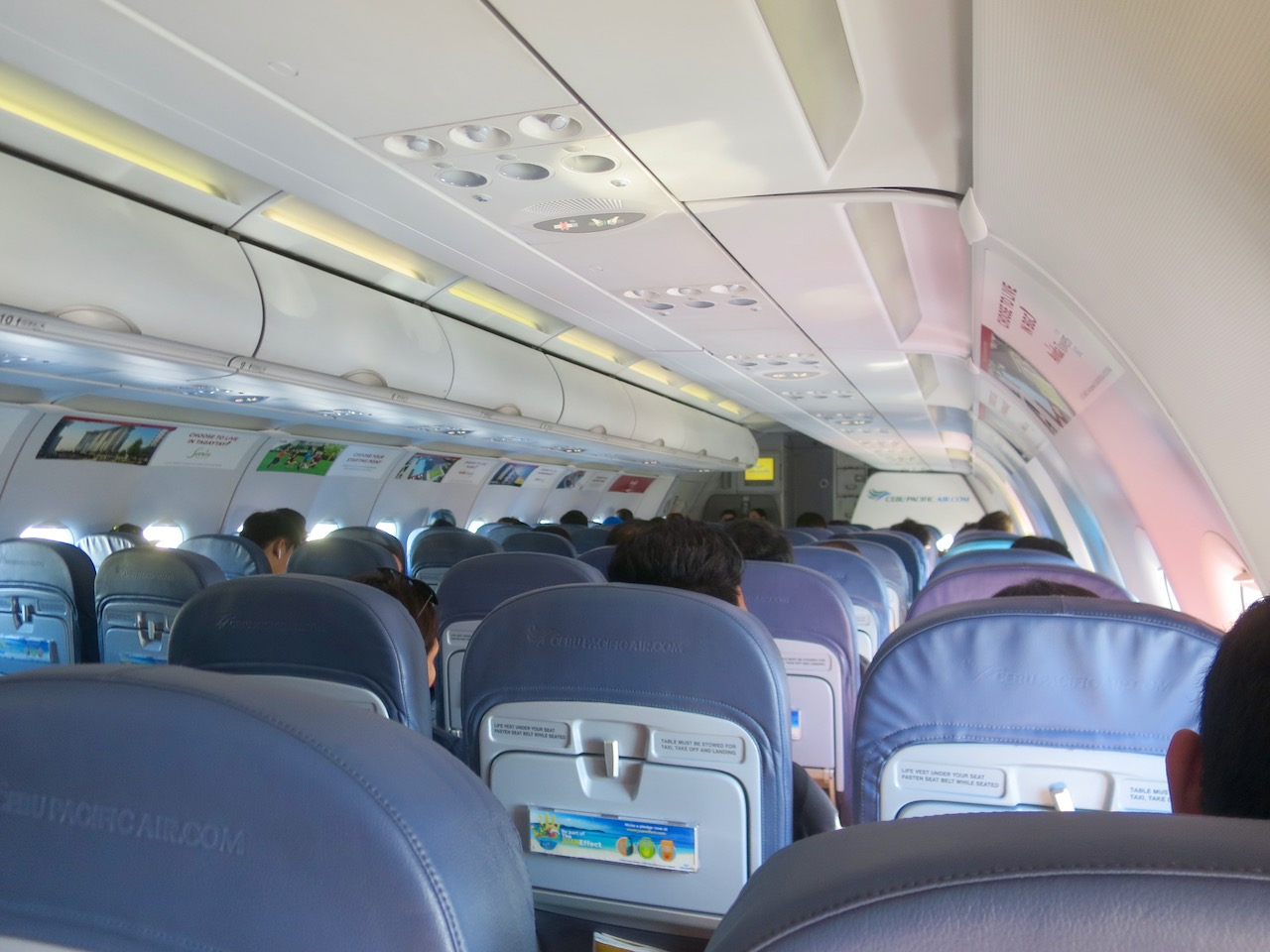 Aviao Cebu pacific por dentro