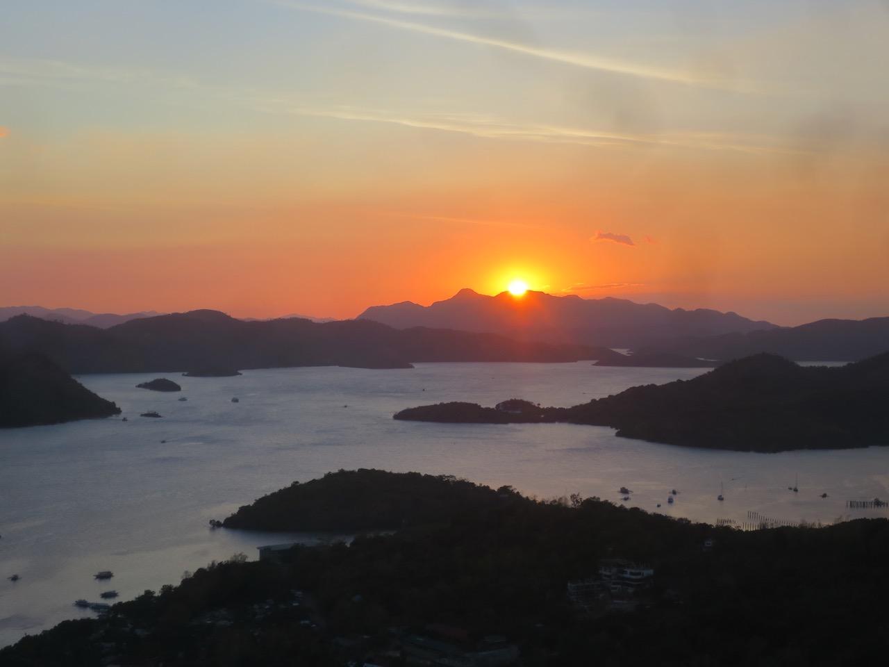 Pôr do sol em Coron, Filipinas
