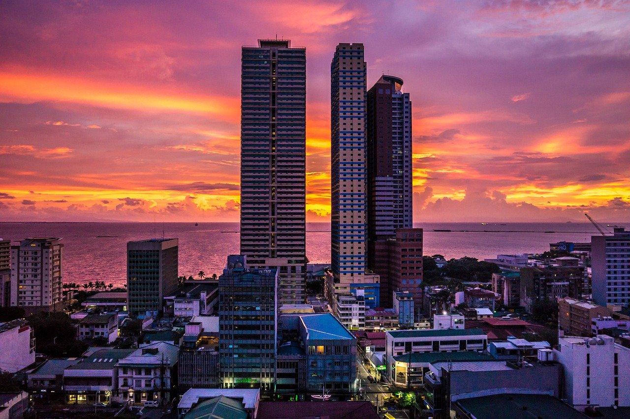 Manila pôr do sol visto do alto