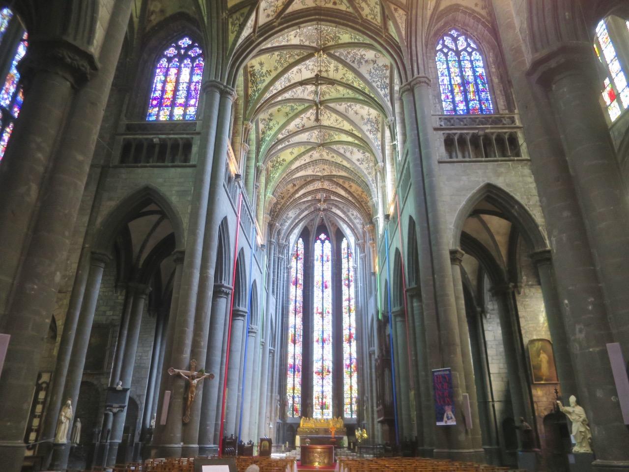 Interior da Igreja de Notre-Dame de Huy
