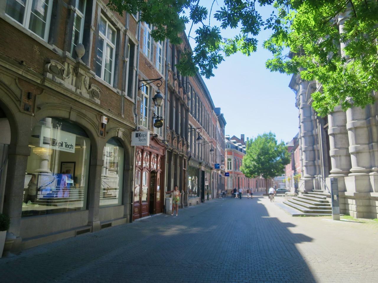 Namur 1 08
