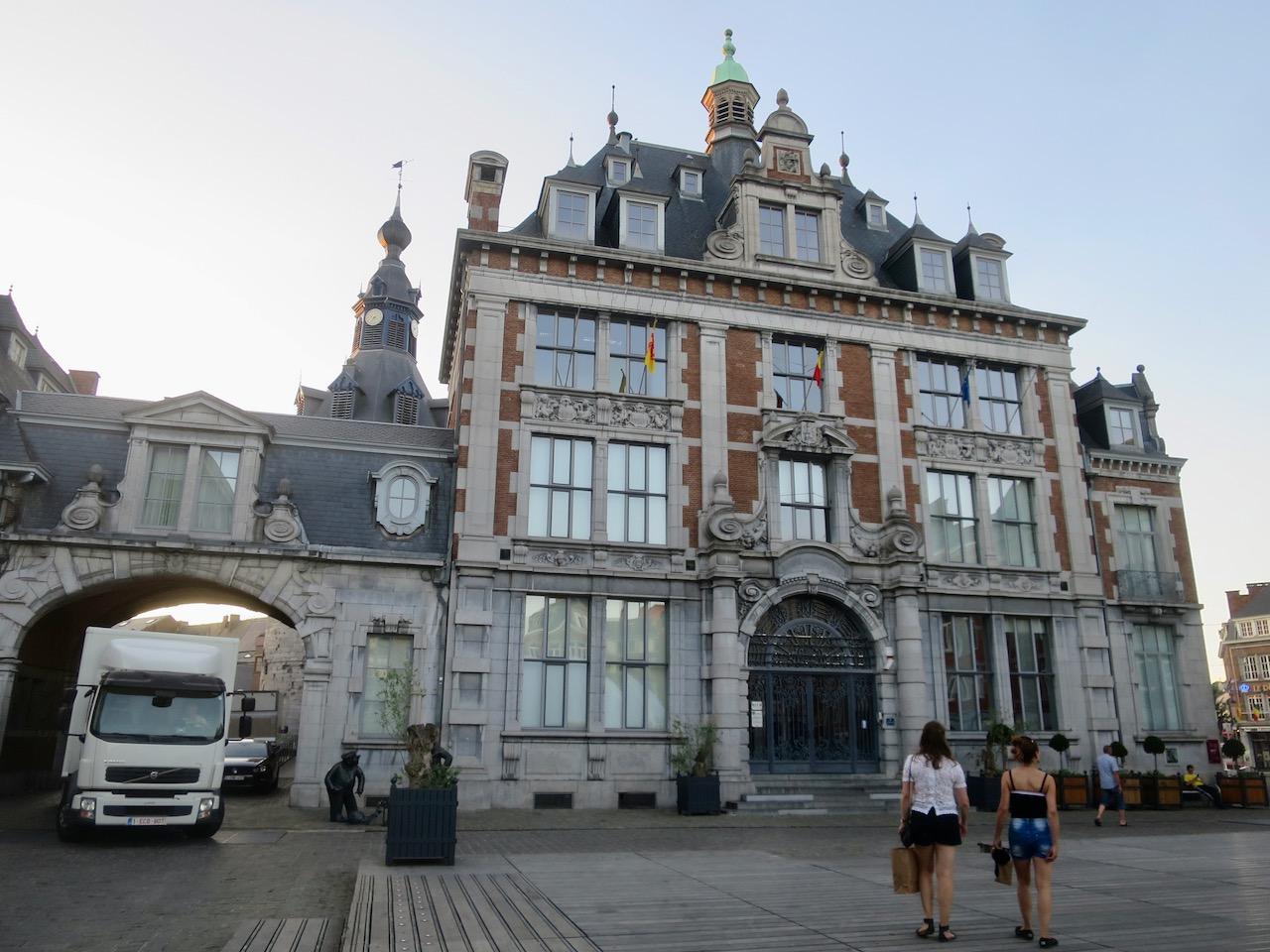 Namur 1 25